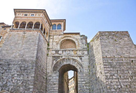 la storia di perugia nell'arco etrusco