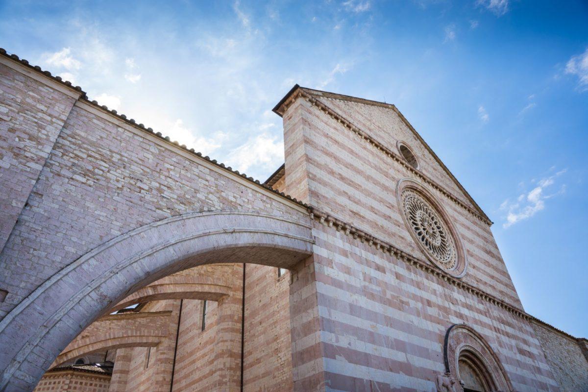 visita guidata di Assisi, vista basilica di Santa Chiara